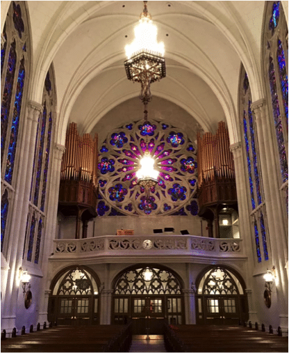 view of the chapel in chicago cathedral.